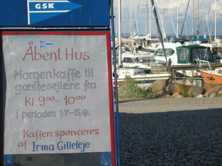 Sommerstemning og gæstfrihed i Gilleleje Sejlklub