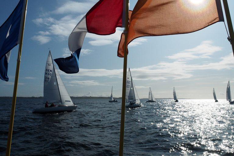Bådpressen skriver om DM i H-Båd 2020 i Gilleleje